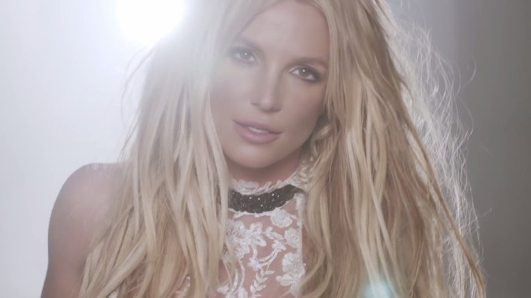 #1 Britney Spears - Make Me.... 48 plays