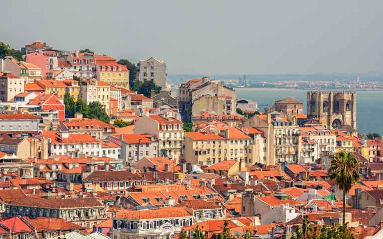Lisbon---Overview---Cityscape-xlarge